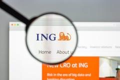 Milão, Itália - 10 de agosto de 2017: Homepage do Web site do banco do grupo de ING Fotografia de Stock