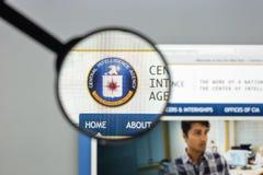 Milão, Itália - 10 de agosto de 2017: Homepage do Web site do CIA É um ci Fotos de Stock