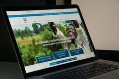 Milão, Itália - 10 de agosto de 2017: Homepage do Web site da alavanca de seleção É Imagens de Stock Royalty Free