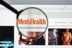 Milão, Itália - 10 de agosto de 2017: Homepage do Web site da saúde dos homens Mim Fotos de Stock Royalty Free