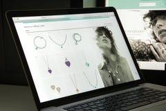 Milão, Itália - 10 de agosto de 2017: Homepage do Web site de Tiffany É Fotos de Stock Royalty Free