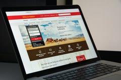 Milão, Itália - 10 de agosto de 2017: Homepage do Web site de Wells Fargo Ele Imagens de Stock