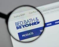 Milão, Itália - 10 de agosto de 2017: Logotipo de Bed Bath & Beyond no nós imagens de stock royalty free