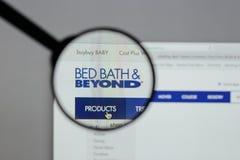 Milão, Itália - 10 de agosto de 2017: Logotipo de Bed Bath & Beyond no nós imagem de stock