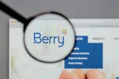 Milão, Itália - 10 de agosto de 2017: Logotipo de Berry Global Group no w Imagem de Stock