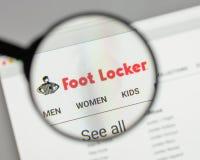 Milão, Itália - 10 de agosto de 2017: Logotipo de Foot Locker no Web site fotografia de stock