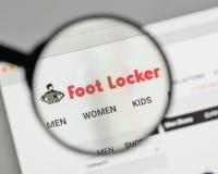Milão, Itália - 10 de agosto de 2017: Logotipo de Foot Locker no Web site imagem de stock royalty free