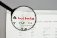 Milão, Itália - 10 de agosto de 2017: Logotipo de Foot Locker no Web site fotografia de stock royalty free