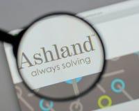 Milão, Itália - 10 de agosto de 2017: Logotipo global das terras arrendadas de Ashland sobre fotos de stock