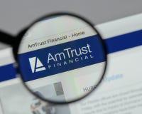 Milão, Itália - 10 de agosto de 2017: Web dos serviços financeiros da confiança do Am Fotos de Stock