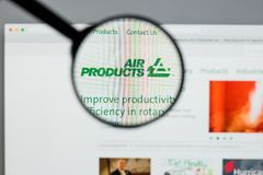 Milão, Itália - 10 de agosto de 2017: Websit de Air Products & Chemicals imagens de stock royalty free