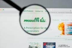 Milão, Itália - 10 de agosto de 2017: Websit de Air Products & Chemicals fotografia de stock