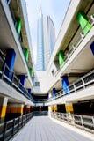 Milão, Itália 6 de junho de 2014: distrito novo de Porta Garibaldi, arranha-céus do banco de Unicredit, Milão, Itália j Imagem de Stock