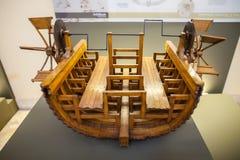 MILÃO, ITÁLIA - 9 DE JUNHO DE 2016: modelos do barco de pá de Leonardo a Dinamarca V Fotografia de Stock
