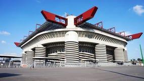 MILÃO, ITÁLIA - 13 DE SETEMBRO DE 2017: Stadio Giuseppe Meazza conhecido geralmente como San Siro, é um estádio de futebol no dis fotos de stock royalty free