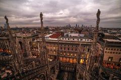 Milão, Itália: Telhado gótico da catedral fotos de stock royalty free