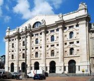 Milão - o Borsa Italiana no quadrado do negócio Fotos de Stock Royalty Free