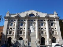 Milão - praça Affari - a bolsa de valores italiana Foto de Stock