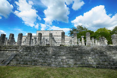 Mil Columnas Ruins på Chichen Itza Royaltyfria Bilder