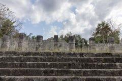 Mil colunas em Chichen Itza fotos de stock