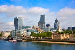 Mil för fyrkant för London finansiell områdeshorisont royaltyfri bild