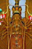 Mil-mão Quan Yin Bodhisattva em um templo Tailândia Ang Thong do wat Foto de Stock