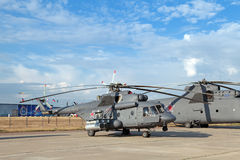 Mil Mi-8 (nom d'enregistrement de l'OTAN : Gratte-cul) Photographie stock libre de droits