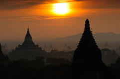 Mil pagodas de Bagan imagen de archivo