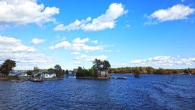 Mil parques nacionales de las islas cerca de Kingston, Ontario, Canadá imagenes de archivo