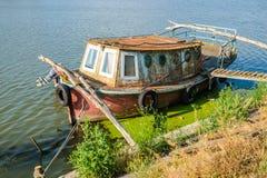 Mila 23, Rumunia, Czerwiec 2017: Mily 23 łódź rybacka w Danube Delta Zdjęcia Stock