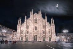 Milaan de kathedraal bij nacht Royalty-vrije Stock Afbeeldingen