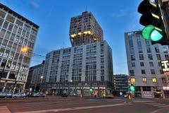 Milaan - de 's nachts toren van Torre Velasca Royalty-vrije Stock Foto's