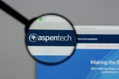 Milaan, Italië - Augustus 10, 2017: Aspen Technology-embleem op het Web stock fotografie