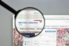 Milaan, Italië - Augustus 10, 2017: De Britse homepage van de luchtrouteswebsite Stock Foto