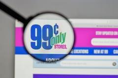 Milaan, Italië - Augustus 10, 2017: De centen slaat slechts embleem op op wij Stock Foto's