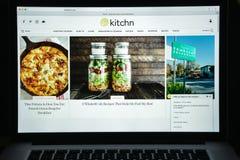Milaan, Italië - Augustus 10, 2017: de homepage van de keukenwebsite Th Stock Afbeelding