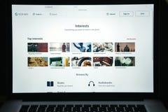 Milaan, Italië - Augustus 10, 2017: De homepage van de Scribdwebsite Het is a Stock Foto's
