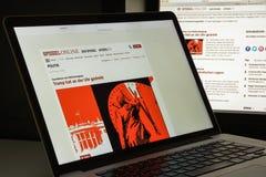 Milaan, Italië - Augustus 10, 2017: De homepage van de Spiegelwebsite is één Royalty-vrije Stock Afbeeldingen