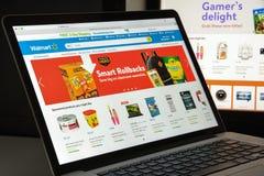Milaan, Italië - Augustus 10, 2017: De homepage van de Walmartwebsite Het is Royalty-vrije Stock Afbeeldingen