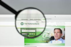 Milaan, Italië - Augustus 10, 2017: Eerste National Bank-website Het royalty-vrije stock foto's