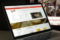 Milaan, Italië - Augustus 10, 2017: Homepage van de de molenwebsite van het loodje de rode Royalty-vrije Stock Afbeelding
