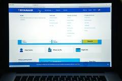 Milaan, Italië - Augustus 10, 2017: Ryanair-websitehomepage Het is Royalty-vrije Stock Foto's