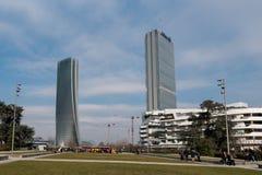 MILAAN, ITALIË - JANUARI 14, 2018: Verdraaid die één, Generali-Toren, Lo Storto is een wolkenkrabber in 2017 in Milaan wordt volt stock afbeelding