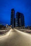 MILAAN, ITALIË, 18 JUNI 2014: het nieuwe woondistrict van Porta Nuova, nachtscène Stock Afbeelding