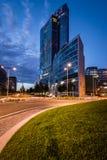 Milaan, Italië 30 juni 2014: Het paleis van Regionelombardia, nachtscène Royalty-vrije Stock Fotografie