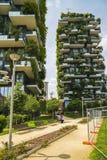 MILAAN, ITALIË - MEI 28, 2017: Bosco Verticale Vertical Forest l Royalty-vrije Stock Afbeeldingen