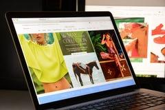 Milaan, Italië - Mei 7, 2017: De vrije homepage van de Mensenwebsite Het is a Royalty-vrije Stock Foto