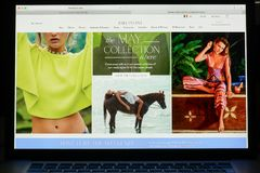 Milaan, Italië - Mei 7, 2017: De vrije homepage van de Mensenwebsite Het is a Stock Afbeelding