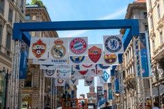 Milaan, Italië - Mei 25, 2016: UEFA verdedigt spel van Liga 2016 het Echte Madrid-Atletico Madrid in def. De straten zijn verfraa Royalty-vrije Stock Foto