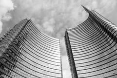MILAAN, ITALIË - OKTOBER 05, 2016: De torens van de het glaswolkenkrabber van de Unicreditbank op 05 Oktober 2016 in Milaan, Ital Royalty-vrije Stock Foto's